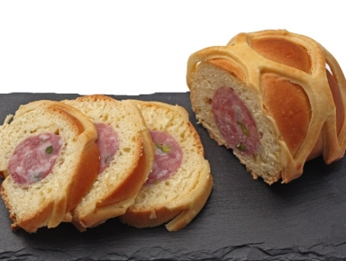 Accords mets & vins - Saucisson chaud en brioche