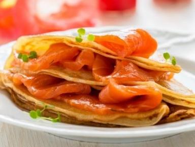 Accords mets & vins - Mille-feuille de blinis au saumon